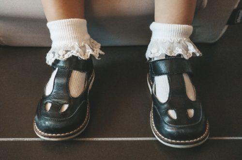scarpe con occhietti bambino